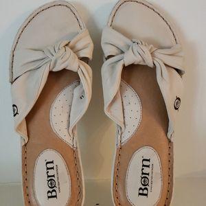 Born Sandals Off White Flats Leather SZ 6